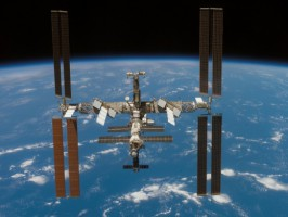 ISS-520x390